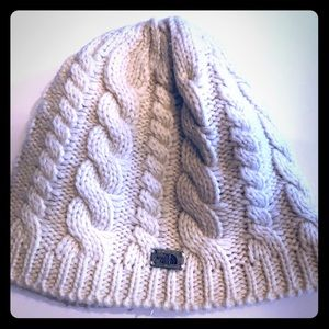 North Face-fleece lined knit hat in white/cream